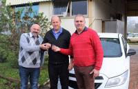 Secretarias da Fazenda e Planejamento recebem dois veículos 0km